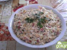 Sałatka z serem i papryką