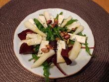 Sałatka z serem lazur, gruszką i pistacjami
