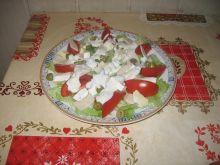 Sałatka z serem pleśniowym i szynką