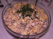 Sałatka z serowym tortellini
