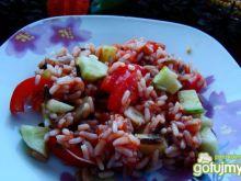 Sałatka z sosem pomidorowym