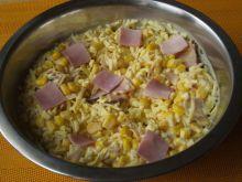 Sałatka z szynką i majonezem