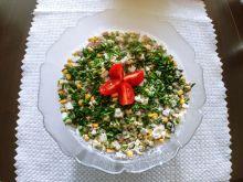 Sałatka z szynką, pieczarkami i warzywami