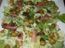 Sałatka z szynką szwarcwaldzką