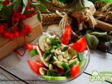 Sałatka z tofu i pestkami dyni