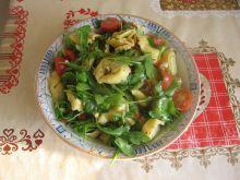 Sałatka z tortellini, suszonymi pomidorami i fetą