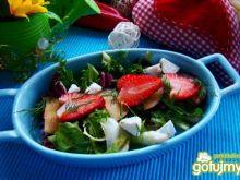 Sałatka z truskawek i śliwki