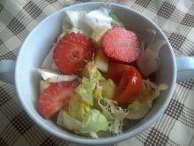 Sałatka z truskawkami