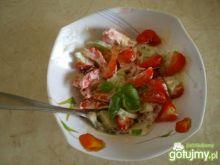 Sałatka z truskawkami, serem