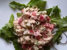 Sałatka z tuńczyka z papryką