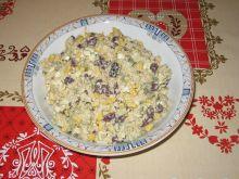 Sałatka z tuńczykiem, fasolą i ryżem