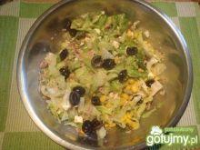 Sałatka z tuńczykiem i fetą szpileczki