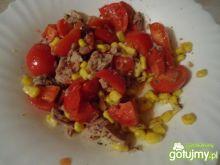 Sałatka z tuńczykiem i pomidorem