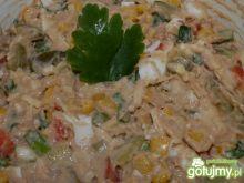 Sałatka z tuńczykiem w sosie własnym 2