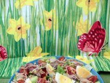 Sałatka z wędzoną makrelą i jajkiem