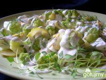 Sałatka z zielonego kalafiora
