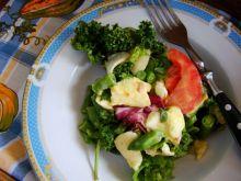 Sałatka z zielonej fasolki z jarmużem