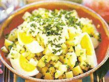 Sałatka z ziemniakami i jajkiem