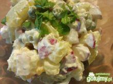 Sałatka z ziemniakiem i jajkiem