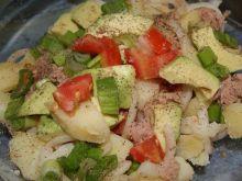 Salatka z ziemniakow i awokado.