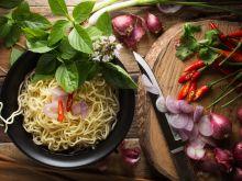 Jak zrobić sałatkę z zupek chińskich?