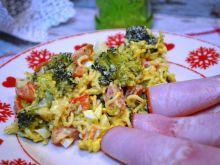 Sałatka z zupek chińskich i brokuła wg Marzenki