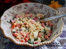 Sałatka z zupki chińskiej i warzyw