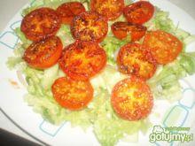 Sałatka ze smażonymi pomidorami