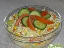 Sałatka ze sosem ziołowym