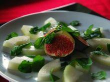 Sałatka ze świeżych fig, melona i mięty