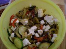 Sałatka zgrilowanych warzyw z fetą