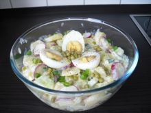 Salatka ziemniaczana.