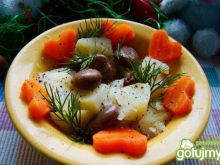 Sałatka ziemniaczana z bobem