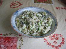 Sałatka ziemniaczana z kaparami i żółtym serem