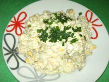 Sałatka ziemniaczana z kukurydzą i groszkiem