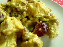 Sałatka ziemniaczana z kurczakiem i winogronem