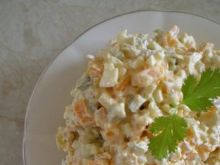 Sałatka ziemniaczana z marchwią i jajem