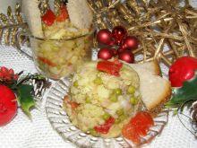Sałatka ziemniaczana z papryką i śledziem