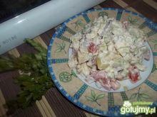Sałatka ziemniaczana z pomidorem