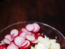 Sałatka ziemniaczana z rzodkiewka i ogór