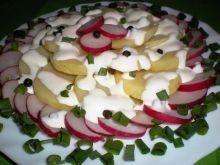 Sałatka ziemniaczana z sosem chrzanowo-pieprzowym