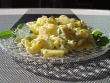Sałatka ziemniaczana z sosem majonezowym