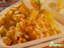 Sałatka ziemniaczano – jajeczna z jabłka