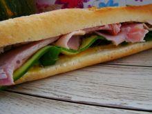 Sandwich z szynką i sosem miodowym