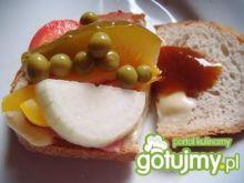 Sandwich z wędliną i warzywami