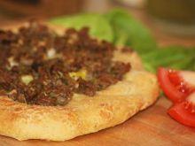 Saudyjski chleb z mięsem - Aish Bel-Lahm