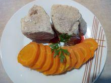 Schab gotowany z marchewką