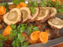 Schab nadziany mięsem mielonym i białą kiełbasą