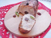 Schab pieczony z czosnkiem i rodzynkami