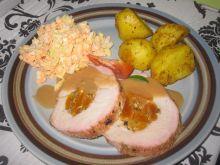 Schab pieczony z morelami i pistacjami